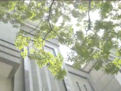 """广州中院建院70周年纪念片《公平正义70年:""""法""""起羊城》"""